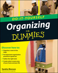 Organizing Do-It-Yourself For Dummies by Sandra Munson